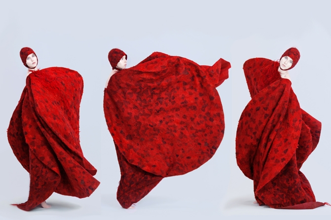 "aus der serie ""circlewear"" – four moving circles – coat, Foto: Marlene Rahmann"
